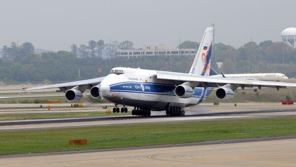 Транспортный самолет АН-124-100 Руслан. Архивное фото - Sputnik Азербайджан