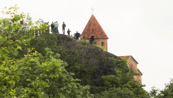 Древний храм дважды в год объединяет христиан и мусульман - Sputnik Азербайджан