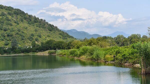 Озеро Нохур гель в Габалинском районе - Sputnik Азербайджан