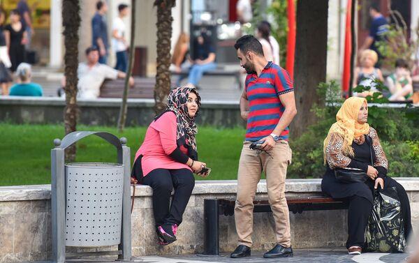 Арабская пара в Баку - Sputnik Азербайджан
