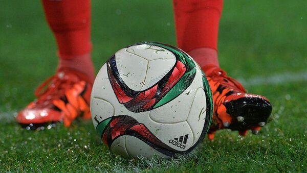 Футбольный мяч. Архивное фото - Sputnik Azərbaycan