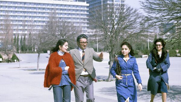 На улицах города Баку. 1979 год - Sputnik Азербайджан