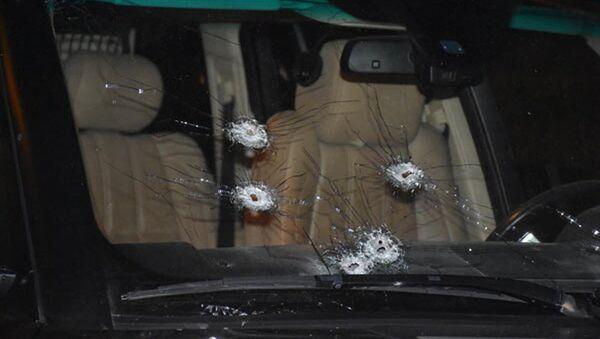 Простреленный автомобиль Ровшана Лянкяранского - Sputnik Азербайджан
