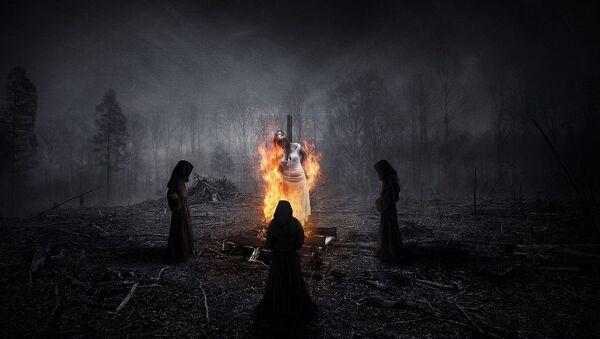Сжигание ведьмы на костре - Sputnik Азербайджан