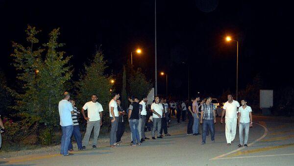 Люди в одном из городов Азербайджана, фото из архива - Sputnik Азербайджан