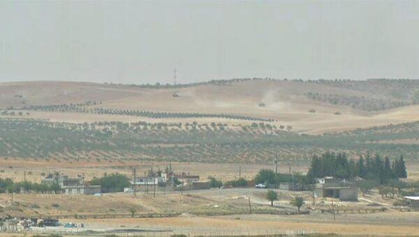 Танковые соединения ВС Турции вошли в Сирию - Sputnik Азербайджан