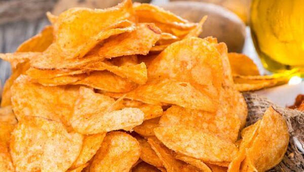 Картофельные чипсы - Sputnik Азербайджан