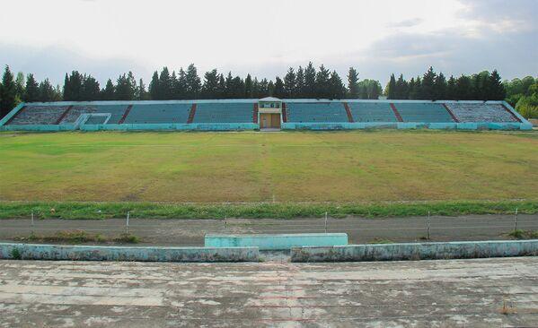 Qazax şəhəri Mərkəzi Stadionunun hazırki vəziyyəti - Sputnik Azərbaycan
