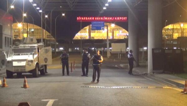 Четыре ракеты попали в здание аэропорта Диярбакыра - Sputnik Азербайджан