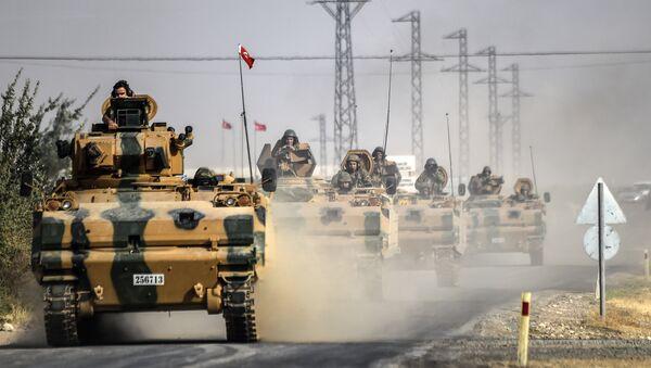 Вооруженные Силы Турции, в рамках военной операции Щит Евфрата, архивное фото - Sputnik Азербайджан