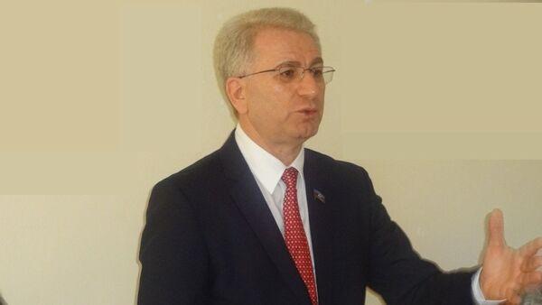 Депутат Милли Меджлиса АР, адвокат агитационной группы по референдуму Гражданское общество Бахтияр Алиев - Sputnik Азербайджан