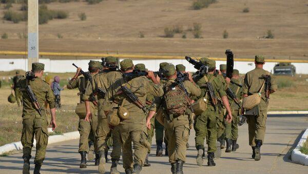 Rusiya ordusunun döyüş atışlı taktiki təlimi keçirilib - Sputnik Azərbaycan
