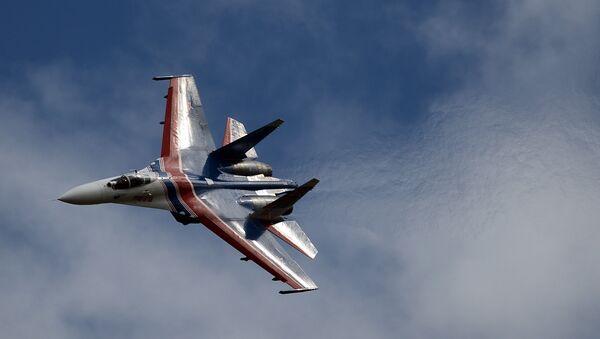 Многоцелевой истребитель Су-27. Архивное фото - Sputnik Азербайджан