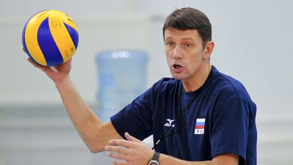 Экс-главный тренер женской сборной РФ по волейболу Сергей Овчинников. Архивное фото - Sputnik Азербайджан