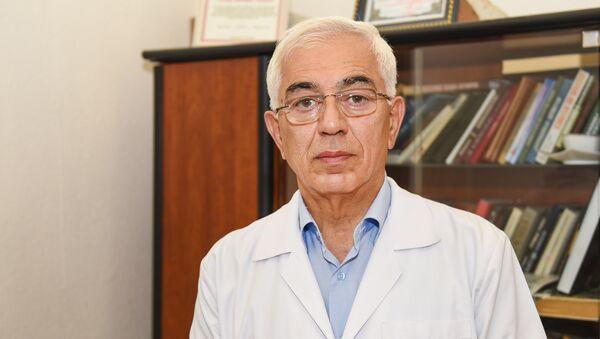 Зульфугар Фараджев, главный дерматовенеролог Министерства здравоохранения АР, доктор медицинских наук, профессор  - Sputnik Азербайджан