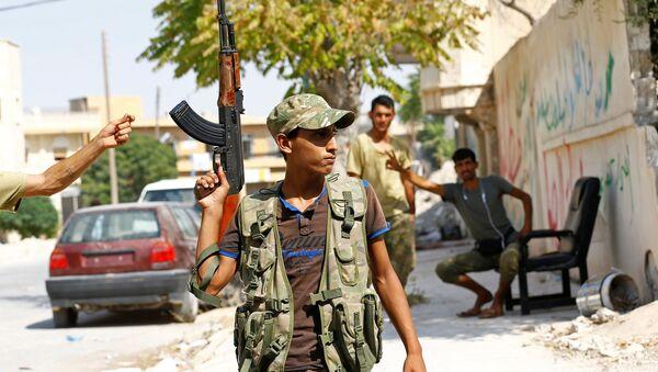 Солдат Свободной армии Сирии, архивное фото - Sputnik Azərbaycan
