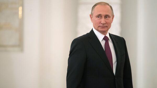 Президент РФ Владимир Путин - Sputnik Азербайджан