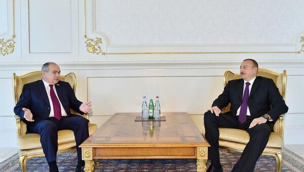 Президент Азербайджана Ильхам Алиев принял заместителя председателя Совета Федерации Федерального Собрания Российской Федерации - Sputnik Азербайджан