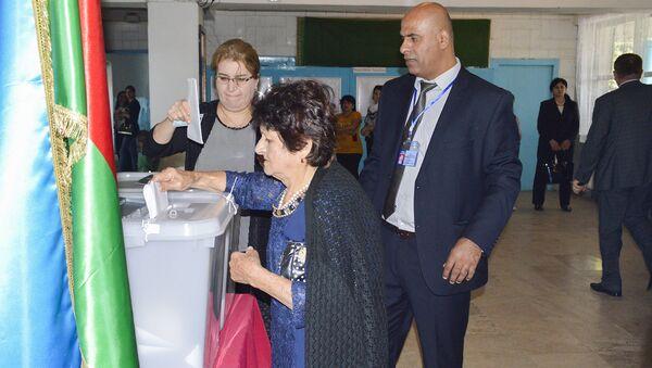 Процесс голосования, архивное фото - Sputnik Азербайджан