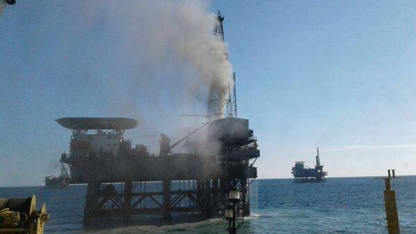 Пожар в месторождении Гюнешли, архивное фото - Sputnik Азербайджан