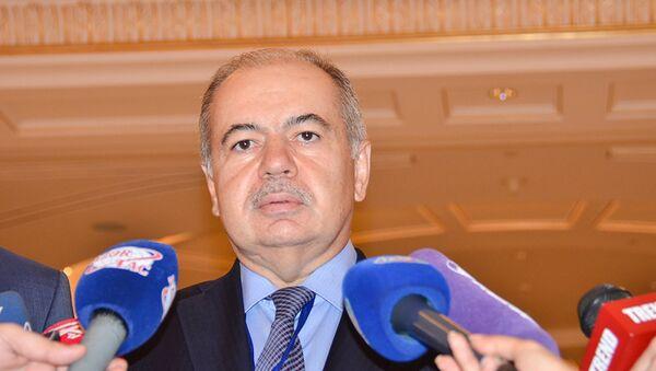 Руководитель наблюдательной миссии Межпарламентской ассамблеи Содружества независимых государств (МПА СНГ) Ильяс Умаханов - Sputnik Азербайджан