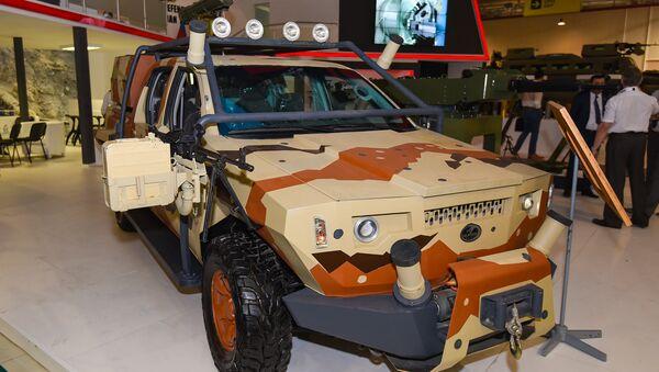 Новая модель бронированной машины Gürzə (Гюрза) - Sputnik Азербайджан