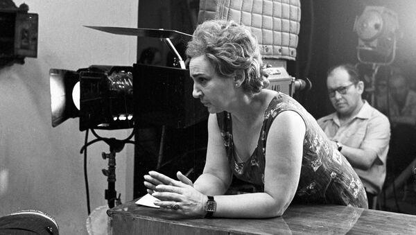 Режиссер-постановщик фильма Семнадцать мгновений весны Татьяна Лиознова на съемочной площадке, 19 сентября 1973 года - Sputnik Азербайджан