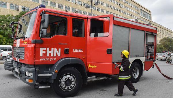 Пожарный расчет МЧС Азербайджана, фото из архива - Sputnik Азербайджан