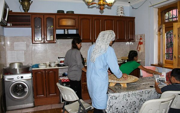 В Общественном объединении Təmiz Dünya нашли приют десятки женщин, подвергавшиеся насилию - Sputnik Азербайджан