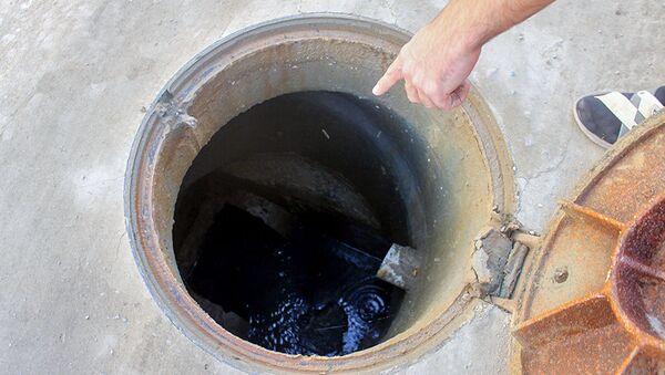 Kanalizasiya suları Badamdarın küçələrini bərbad hala salıb - Sputnik Азербайджан