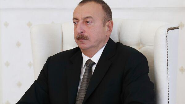 Azərbaycan prezidenti İlham Əliyev Nazirlər Kabinetinin iclasında - Sputnik Azərbaycan