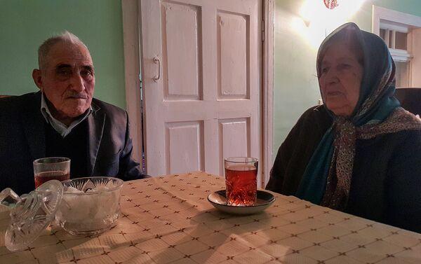 Лятиф и Гумру Гасановы вместе уже 63 года - Sputnik Азербайджан