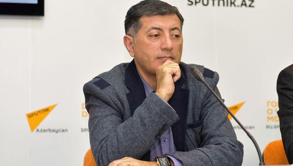 Руководитель Центра нефтяных исследований Caspian Barrel Ильхам Шабан - Sputnik Азербайджан
