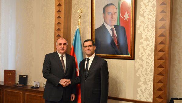 Министр иностранных дел Азербайджана Эльмар Мамедъяров принял новоназначенного посла Турции Эркана Озала - Sputnik Азербайджан