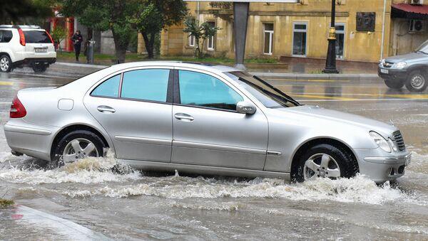 Последствия дождя в Баку, фото из архива - Sputnik Азербайджан
