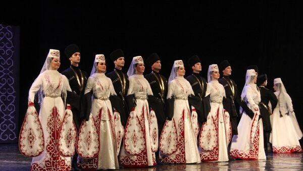 Государственный ансамбль танца Алан Северной Осетии - Sputnik Азербайджан