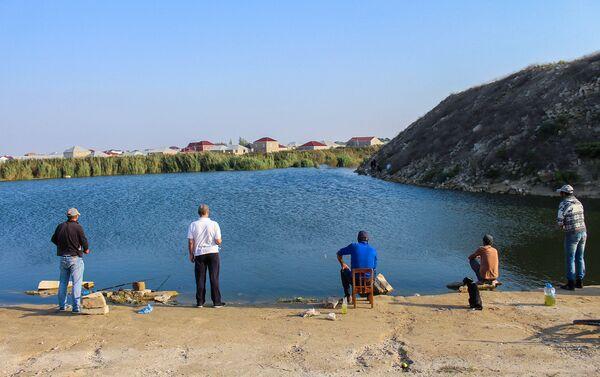 Озеро в Кюрдаханах - Sputnik Азербайджан