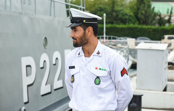 Иранские корабли Дамаванд и Джошан в бакинском порту - Sputnik Азербайджан