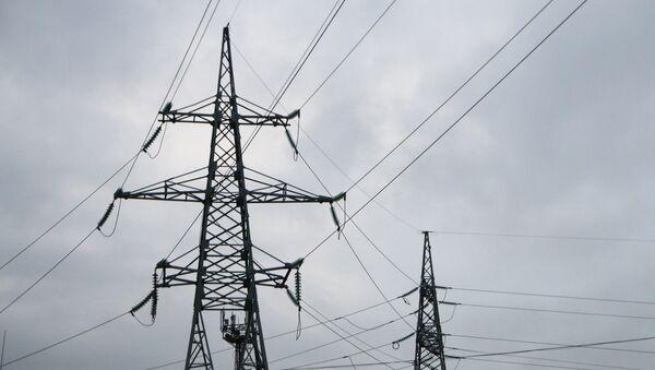 Высоковольтные линии электропередачи, архивное фото - Sputnik Азербайджан