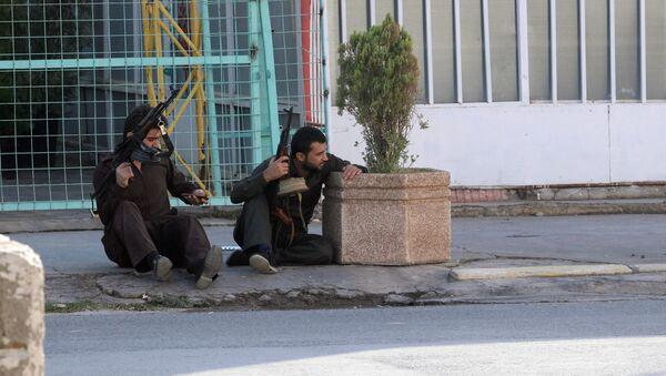 Kürd silahlıları Kərkükə hücum etmiş İŞİD üzvlərinə qarşı döyüş zamanı, Kərkük – 21 oktyabr 2016 - Sputnik Azərbaycan
