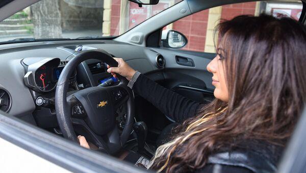 Женщина водитель - Sputnik Азербайджан