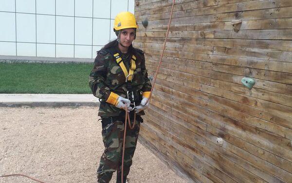 Спасателю МЧС приходится уметь многое - Sputnik Азербайджан