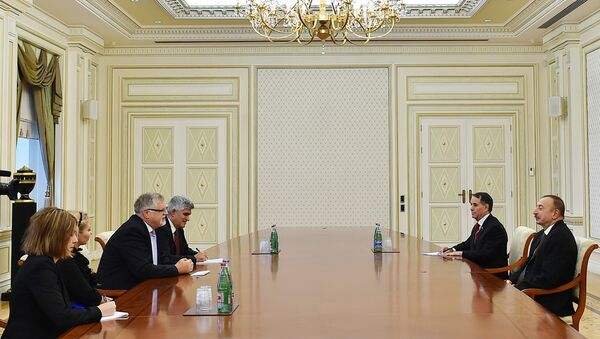 Президент Азербайджана Ильхам Алиев на встрече со спецпредставителем ЕС по Южному Кавказу Гербертом Зальбером - Sputnik Азербайджан