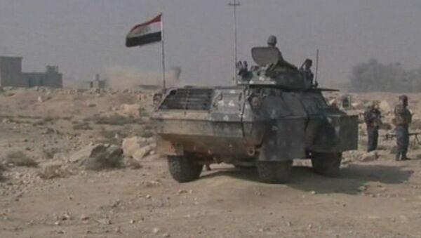 Иракская армия перекрыла дорогу близ Мосула - Sputnik Азербайджан