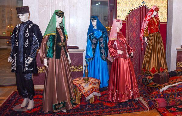 Azərbaycan milli geyim nümunələri - Sputnik Azərbaycan