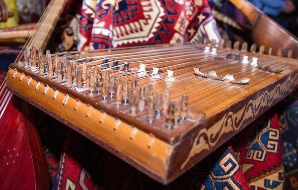 Simli musiqi aləti – kanon - Sputnik Azərbaycan