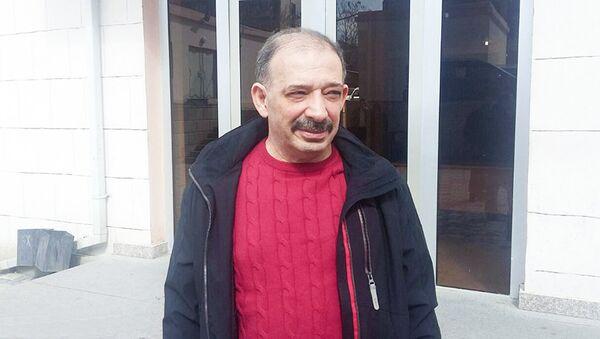 Журналист Рауф Миркадыров - Sputnik Азербайджан
