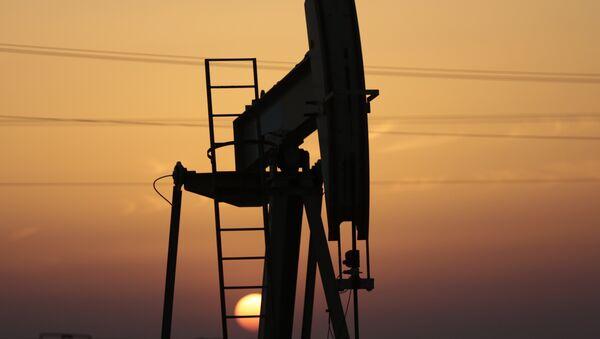 Нефтяной насос, фото из архива - Sputnik Azərbaycan