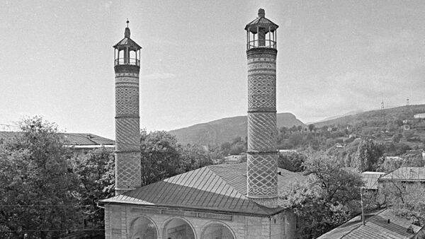 Мечеть в городе Шуша – памятник архитектуры XVIII века, апрель 1988 года - Sputnik Азербайджан