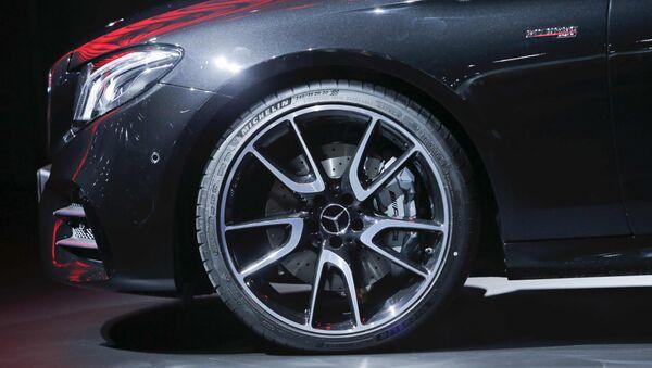 Mercedes markalı avtomobil - Sputnik Azərbaycan